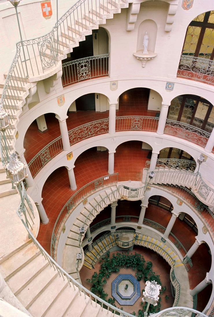 Mission Inn Rotunda, Spiral Staircase